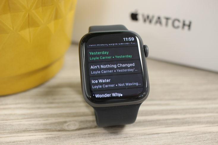 Apple Watch SE Spotify 2