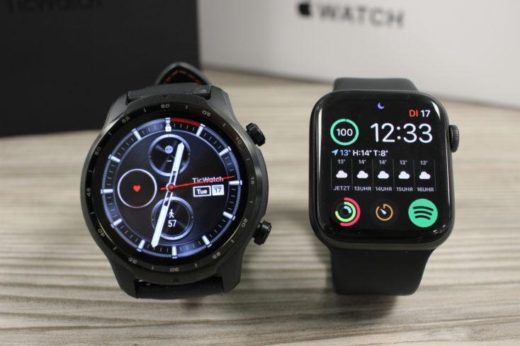 Apple Watch SE vs Ticwatch Pro 3 GPS Display Desgin