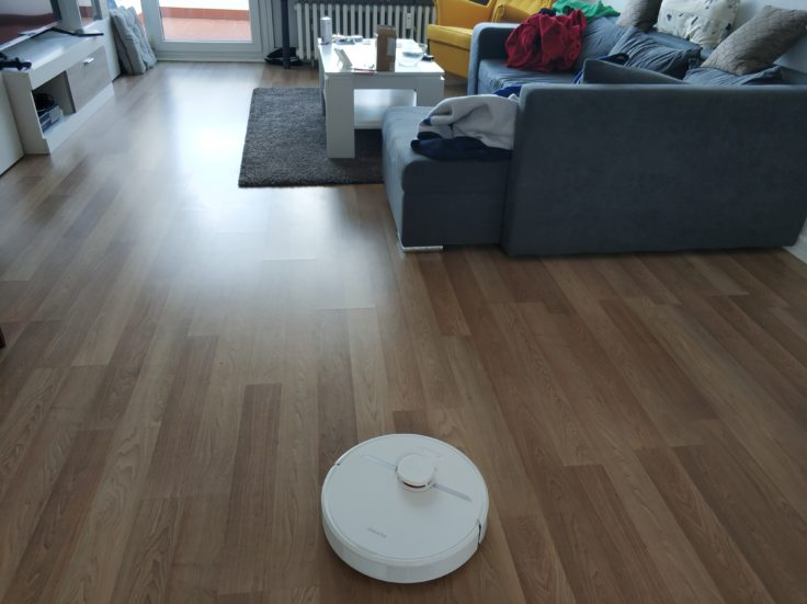 Dreame D9 Saugroboter in Wohnung