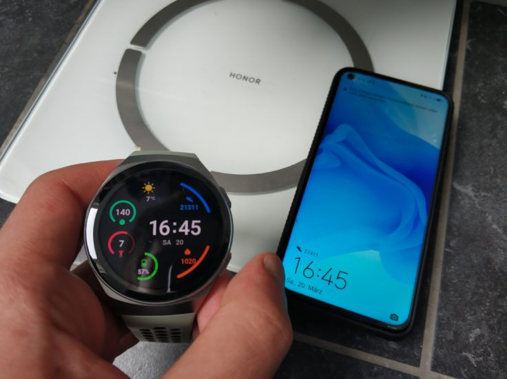 Honor Scale 2 smarte Waage mit Huawei Watch GT 2e und Honor View 20