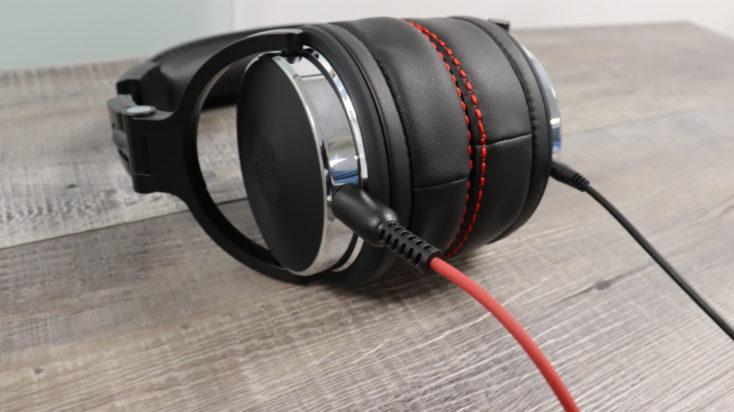 OneOdio Studio Pro 50 Kopfhoerer mit rotem Kabel