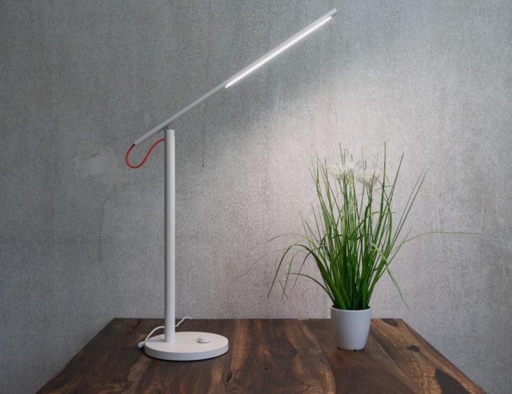 Xiaomi Tischlampe auf Tisch