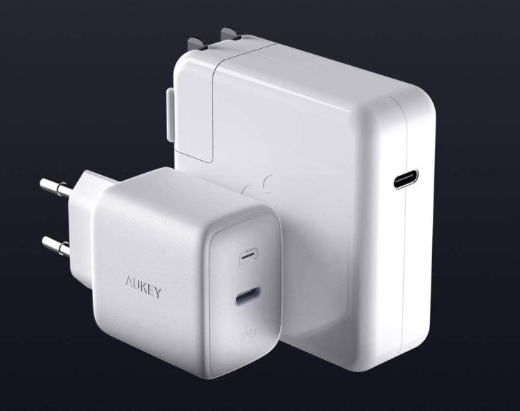 Aukey Omnia 61W USB-C Charger vs Apple