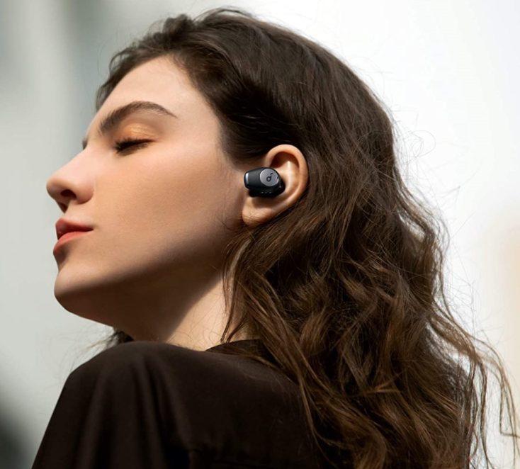 Soundcore Life A2 NC Kopfhoerer im Ohr seitlich