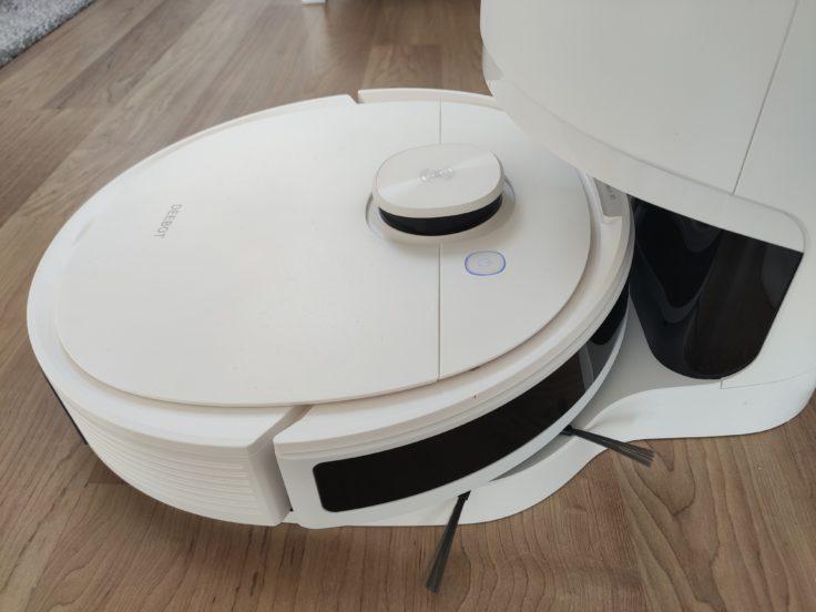 Ecovacs Deebot N8 Pro+ Saugroboter an Absaugstation