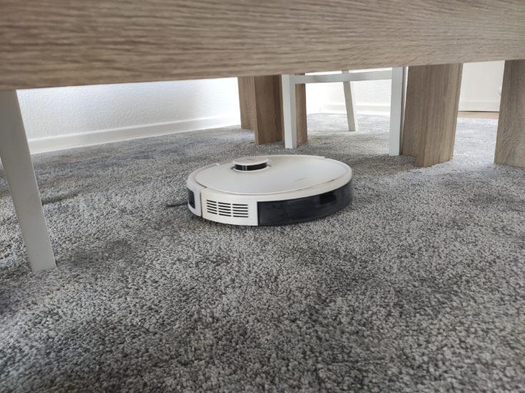 Ecovacs Deebot N8 Pro+ Saugroboter Performance auf Teppich