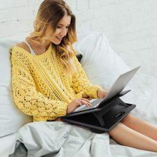 Huanuo Laptopkissen im Bett