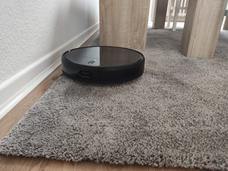 Xiaomi Mi Robot Vacuum-Mop 2 Pro+ Saugroboter auf Teppich