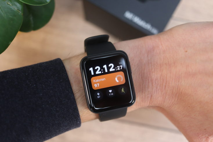 Xiaomi Mi Watch Lite Smartwatch am Arm