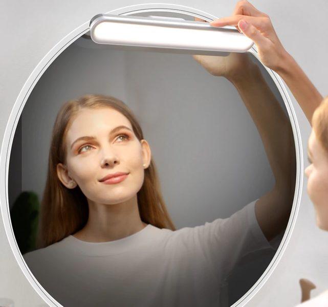 Baseus Desk Lamp im Badezimmer