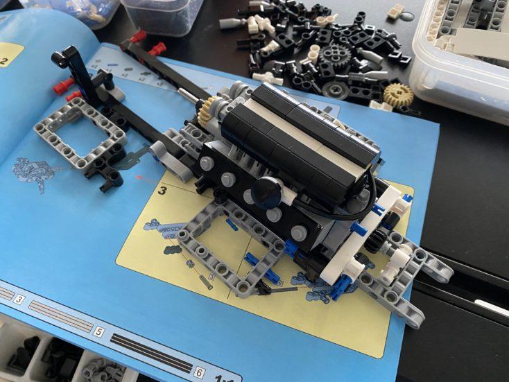 CaDA C61018W Sportwagen Aufbau erster Schritt
