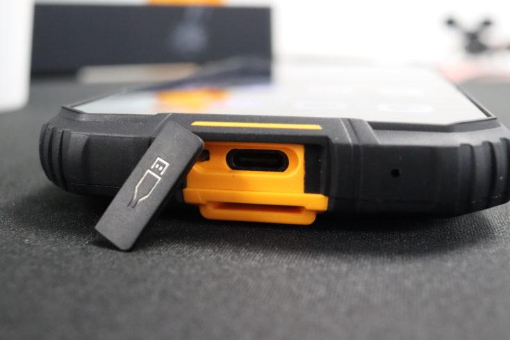 Oukitel WP10 Smartphone USB C Port