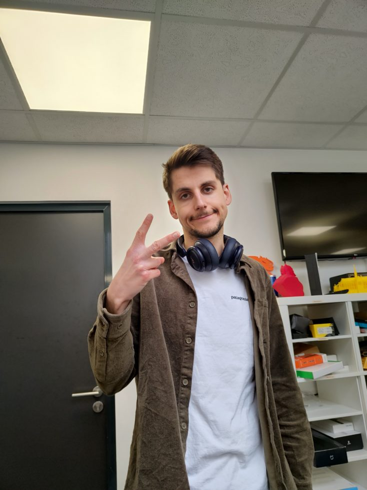 Realme 8 Pro Hauptkamera Testfoto Person