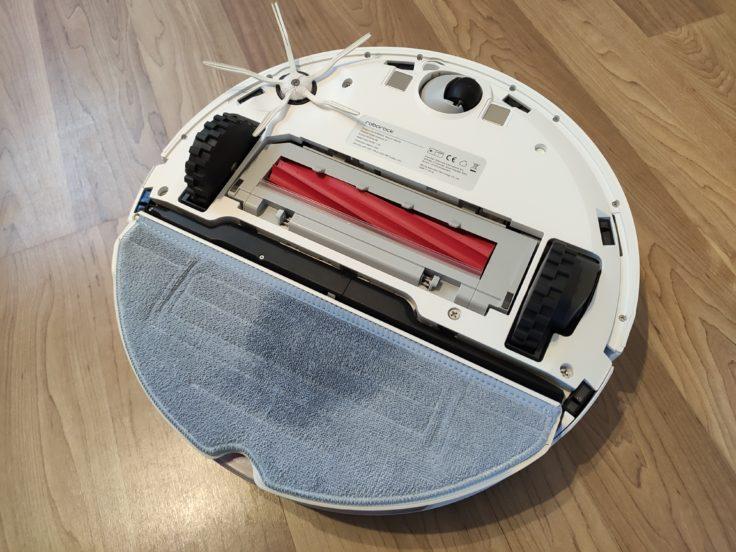 Roborock S7 Saugroboter Wischaufsatz angebracht