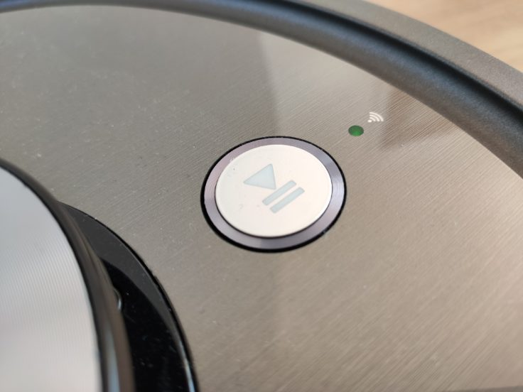 ZACO A10 Saugroboter Bedienelement
