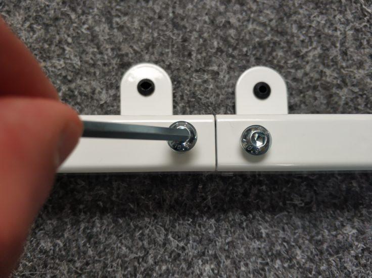 ACGAM ET225E Stehschreibtisch hoehenverstellbar Schrauben reindrehen