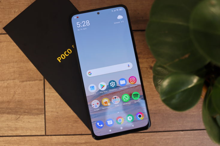 POCO F3 Smartphone von oben