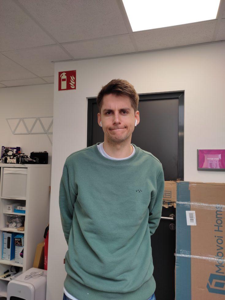 Redmi Note 10 Hauptkamera Testfoto Person gutes Licht