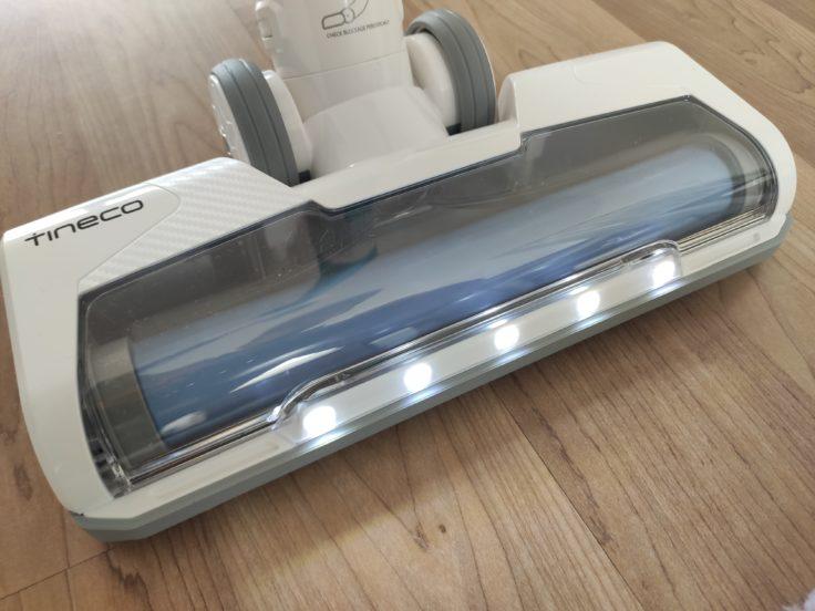 Tineco A11 Master Akkusauger LED-Leuchten an der Bodendüse