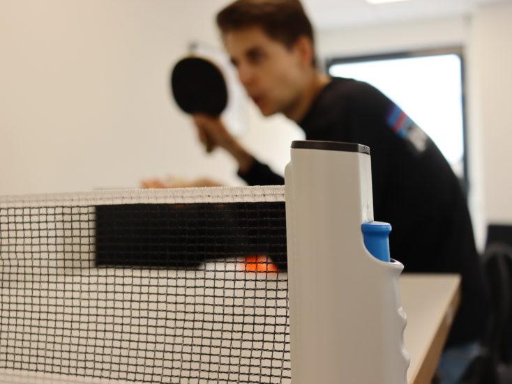 Ausziehbares Tischtennisnetz