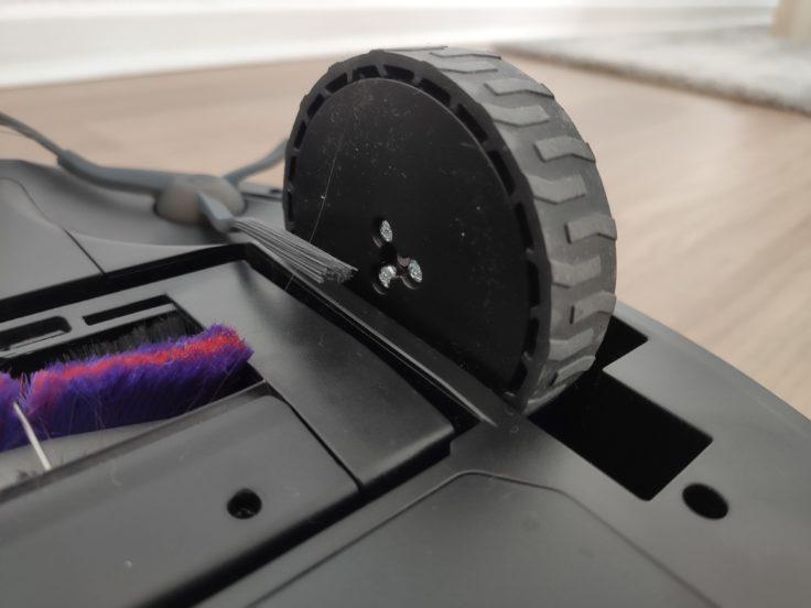 Midea M7 Pro Saugroboter Unterseite Reifen
