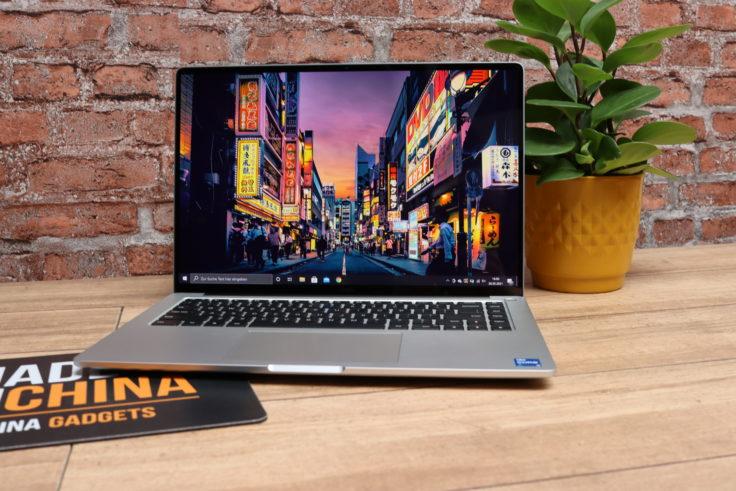 Xiaomi Laptop Pro 15 Notebook mit Blume