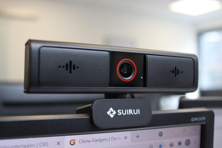 SUIRUI Webcam auf dem Monitor