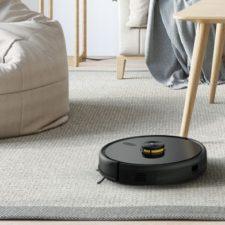 realme TechLife Robot Vacuum im Wohnzimmer
