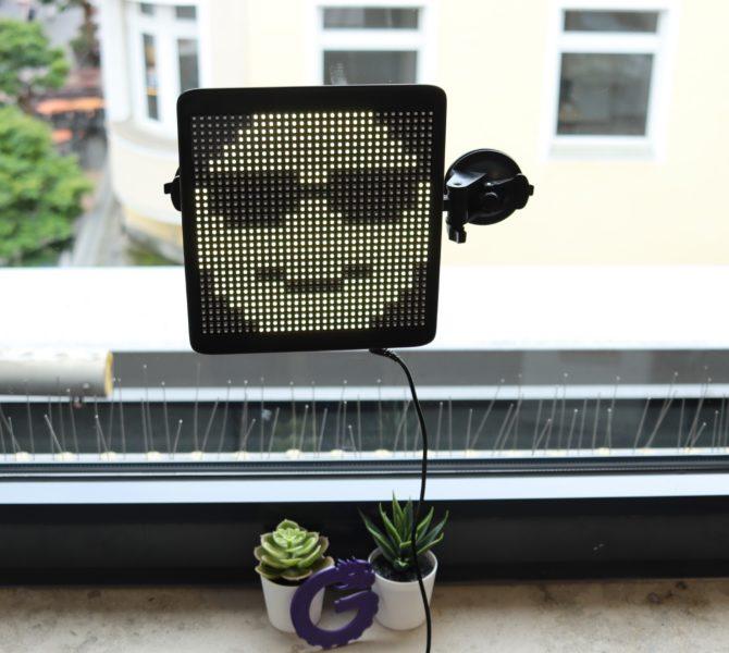 Hi.Groom LED Monitor Fenster
