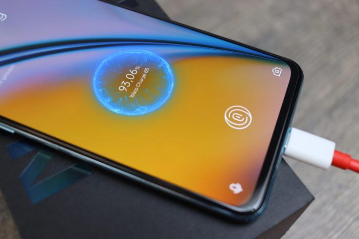 OnePlus Nord 2 5G Warp Charge 65 Laden