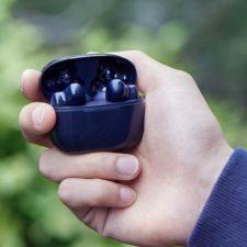 UGREEN HiTune X5 Kopfhoerer in der Hand Beitragsbild