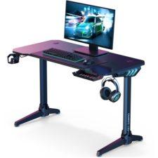 Aukey Gaming-Schreibtisch mit Monitor
