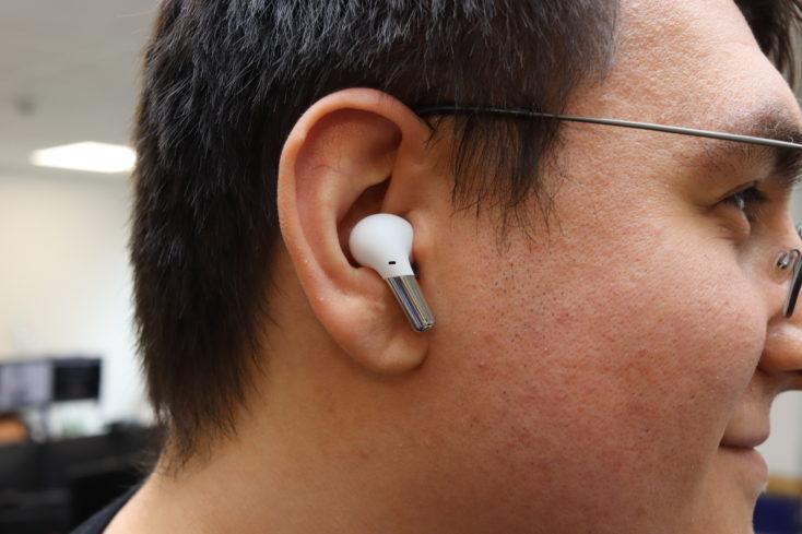 OnePlus Buds Pro Kopfhoerer im Ohr