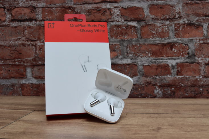 OnePlus Buds Pro Kopfhoerer mit Verpackung