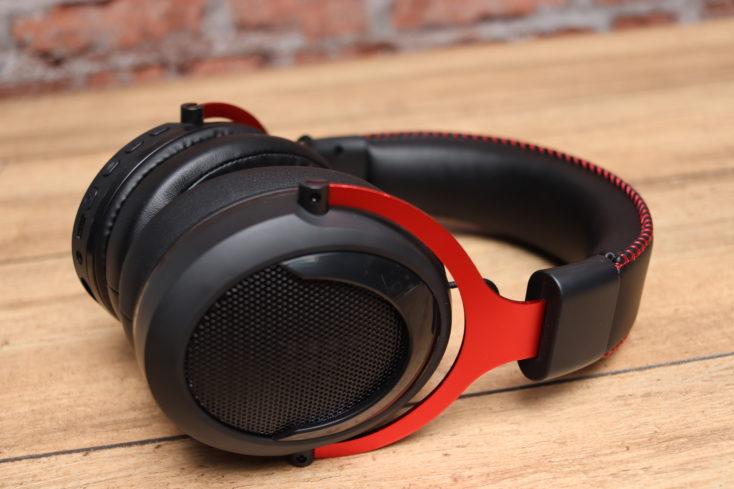 Tronsmart Shadow Headset von der Seite