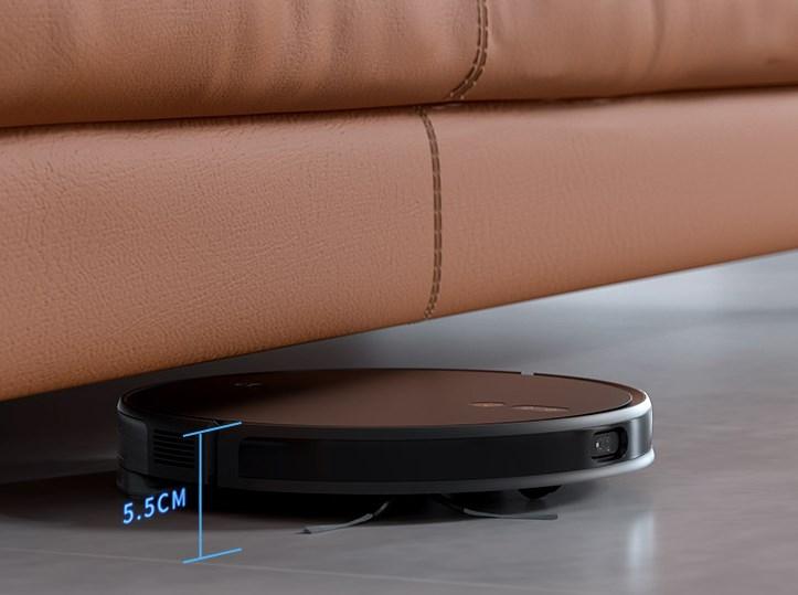 Xiaomi Mijia Ultra Thin Saugroboter unter dem Sofa