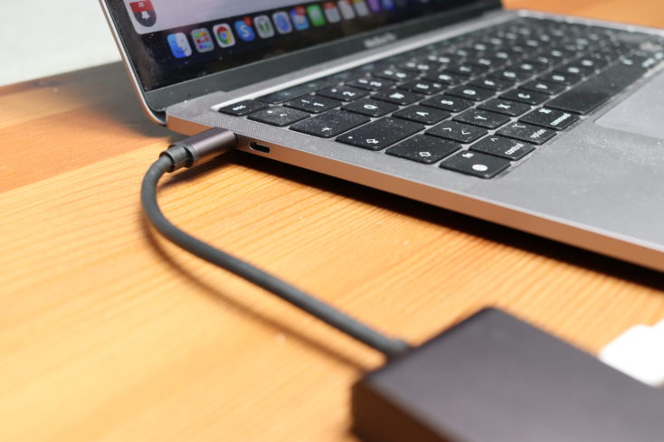 Lemorele 7-in-1 USB-C Hub angeschlossen USB-C