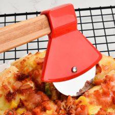 Pizzaaxt schneiden
