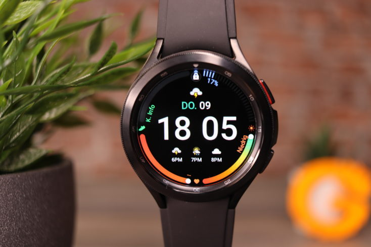 Samsung Galaxy Watch 4 Watchface schwarz digital