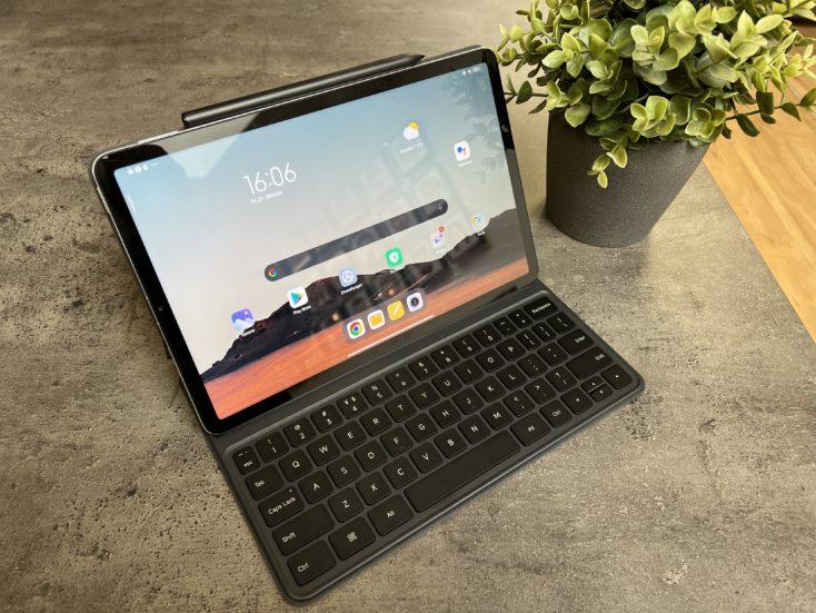Xiaomi Pad 5 Tablet mit Tastatur und Stift 2