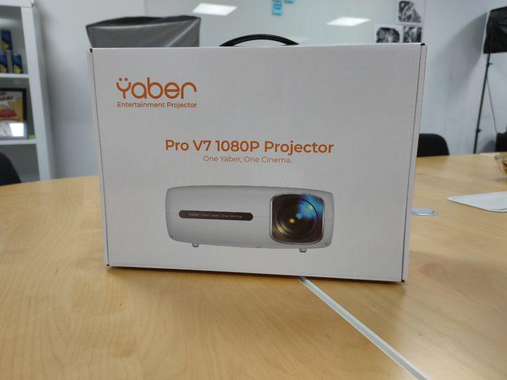 Yaber Pro V7 Beamer Karton