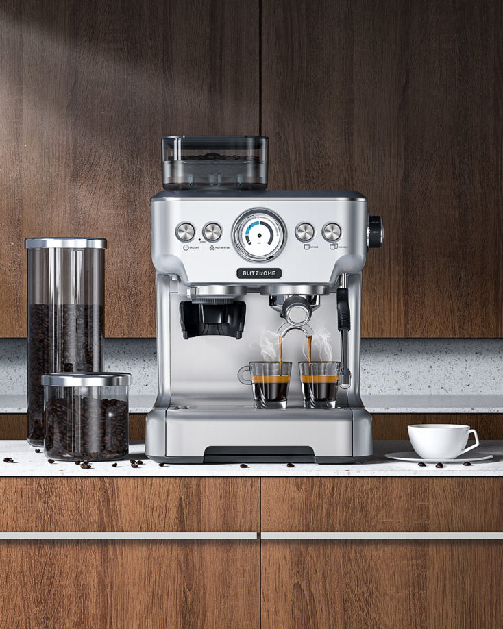 BlitzHome BH-CMM5 Espressomaschine in Benutzung